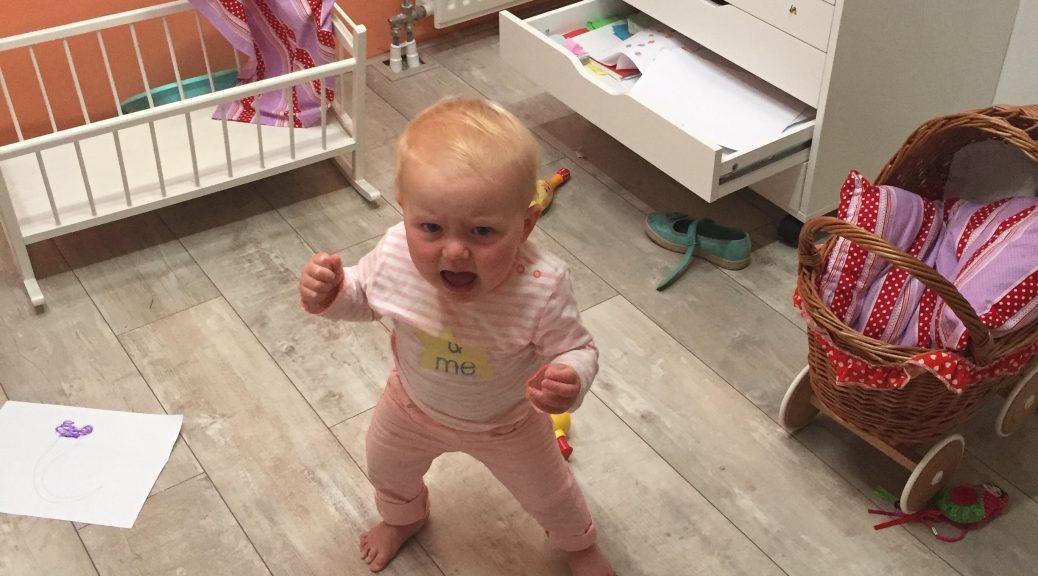 frustratie gefrustreerd kind dreumes peuter niet praten taalontwikkeling zich niet kunnen uitdrukken driftig woede boos