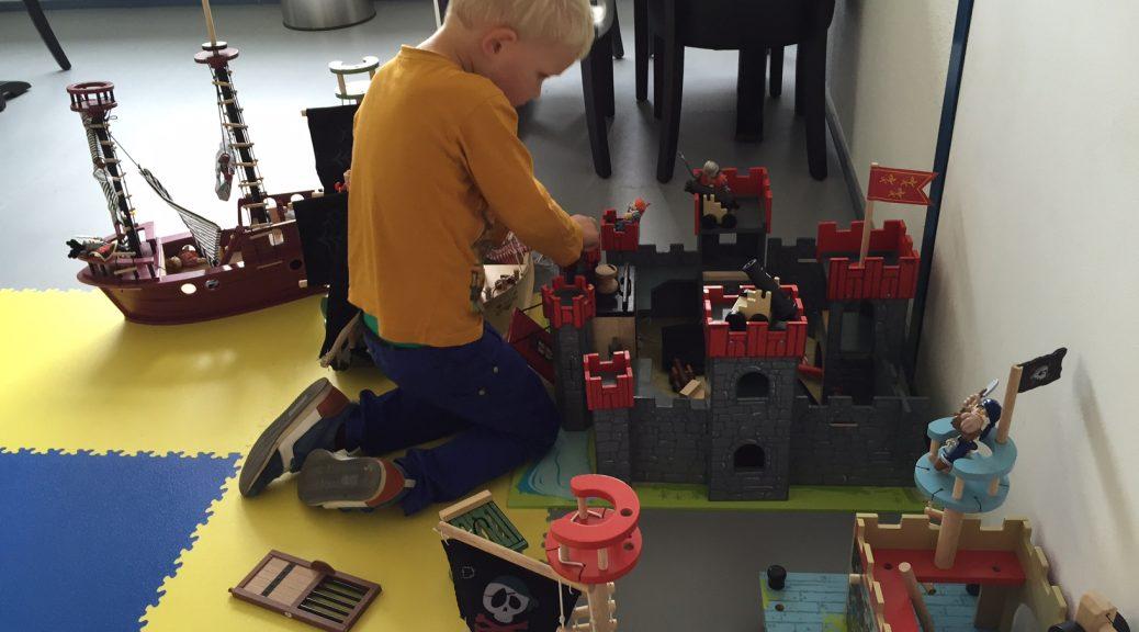 familieparadijs recensie ervaring zwijndrecht spelen gezin dreumes peuter kleuter kinderen gezin speelgoed spelen