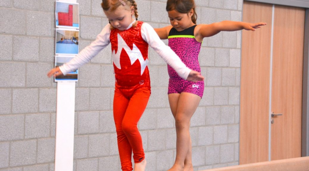 sporten turnen bewegen kinderen lenig kracht conditie trainen