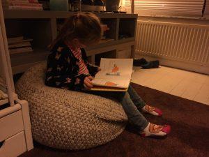 lezen kind boeken boekenwurm leest