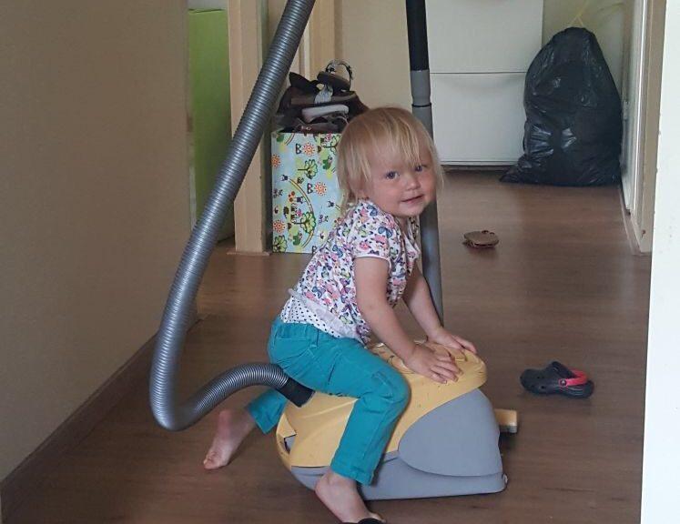 huishouden gezin kinderen schoonmaken opruimen stress drukte spits