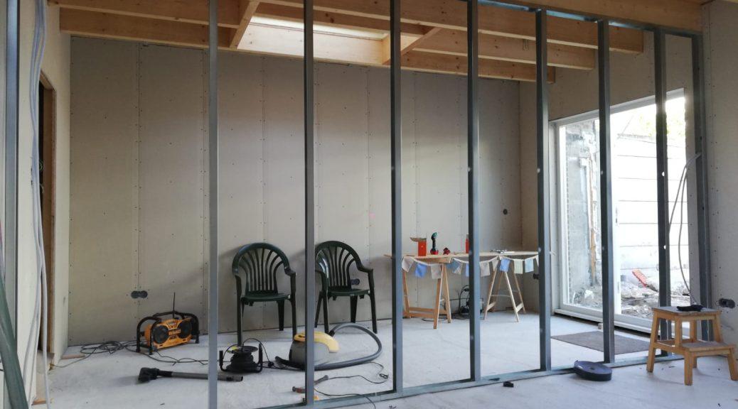 verbouwing klussen praktijk aan huis praktijk inzicht dordrecht behandeling behandelkamer wachtkamer privacy gipsplaten vloeren plafond openslaande deuren